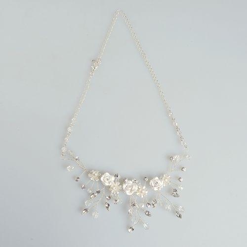 Bentita incantatoare cu flori albe poza 2021