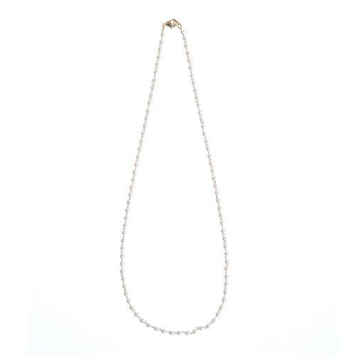 Colier elegant perle acrilice albe