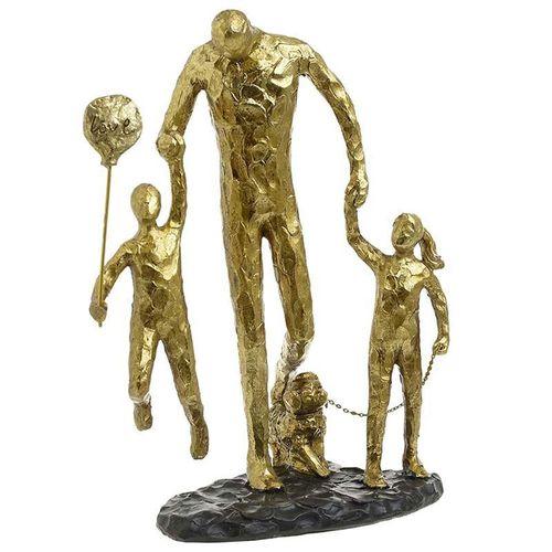 Statueta familie la plimbare poza 2021